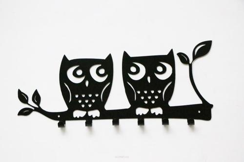 Falra szerelhető kabáttartó OWL fekete