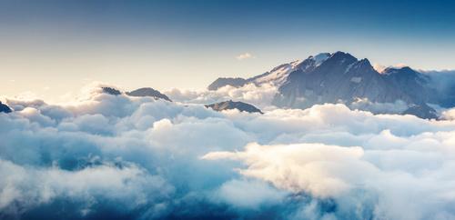 Falikép felhők, ég, fehér, könnyedség, hegyek, kék árnyalatok, hálószoba falfestmény, pihenés