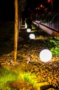 Három modern kerti lámpa szett Luna labda 20 cm, 30 cm, 40 cm, fehér golyók, fényes, LED izzók tartoznak small 5