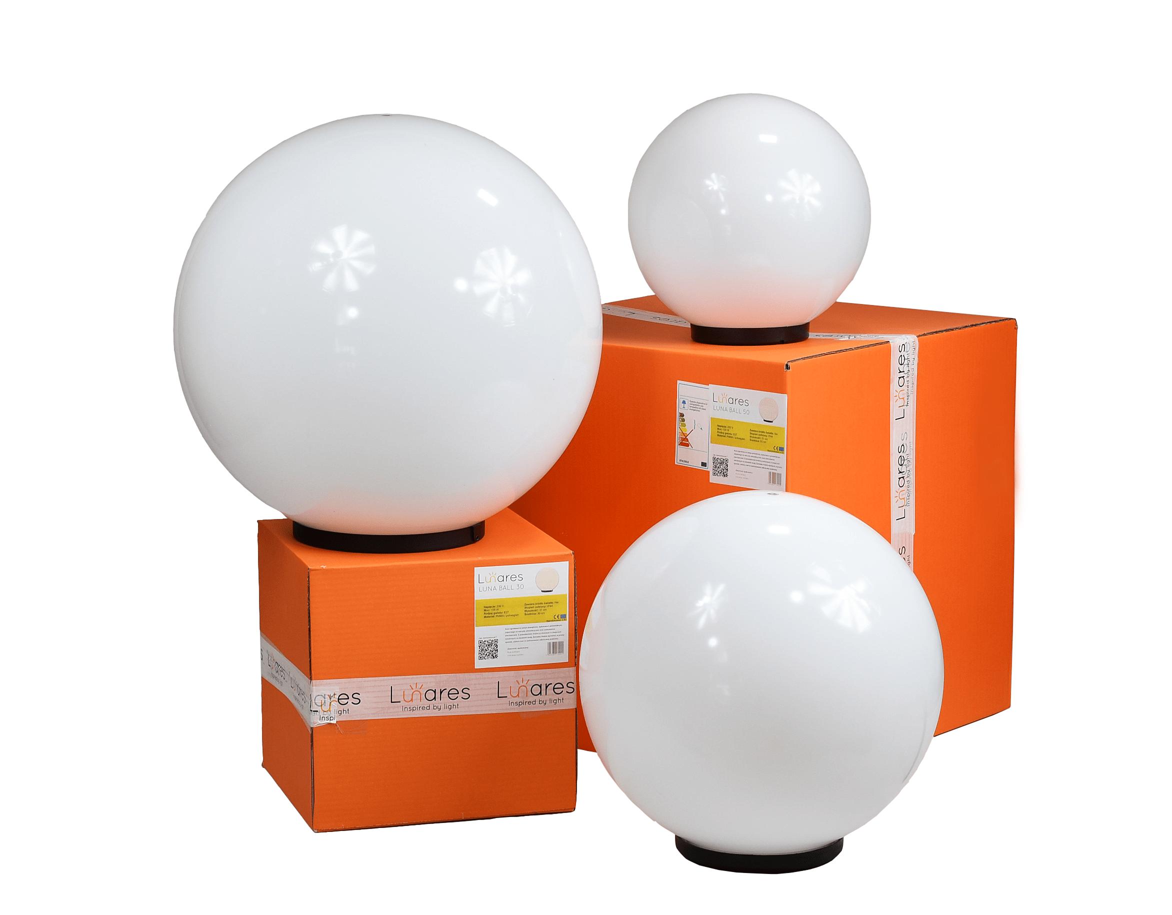 Három modern kerti lámpa szett Luna labda 20 cm, 30 cm, 40 cm, fehér golyók, fényes, LED izzók tartoznak
