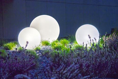 Három külső lámpa, kerti golyó készlet Luna labda 30 cm, 40 cm, 50 cm, világító kerti golyó, klasszikus, fehér